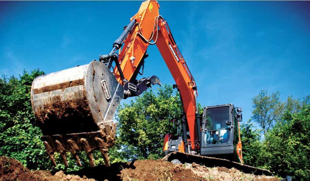 Doosan presenta la excavadora DX140LCR-5 en World of Concrete