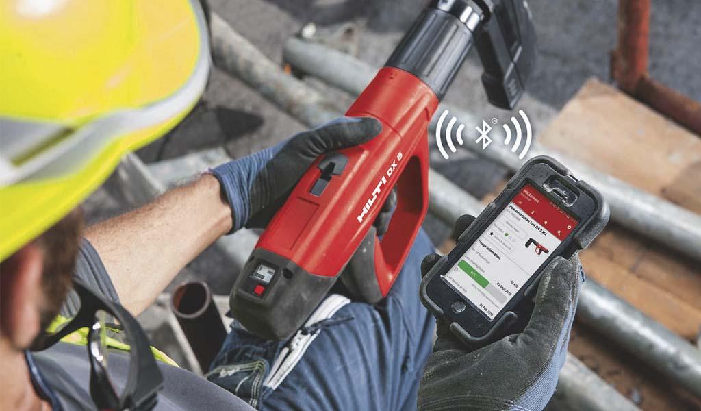Las nuevas herramientas inteligentes DX 5, TE 60 de Hilti se conectan a su teléfono para rastrear el uso, servicio y mucho más.