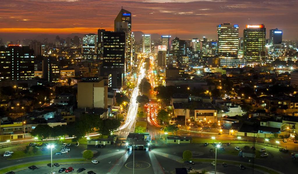 Perú puede crecer hasta 4.5% en 2018