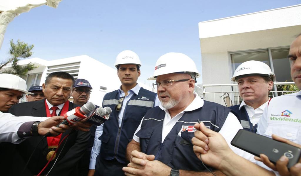 Ministro Carlos Bruce anuncia que en un año se reconstruirán 19 mil viviendas en Lambayeque