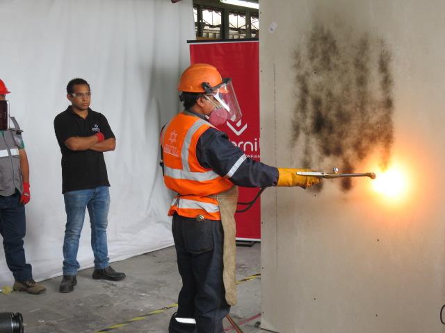 El Sistema Drywall Eternit pasa prueba y muestra su alta resistencia al fuego