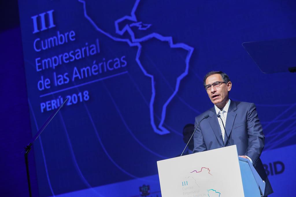Presidente Vizcarra destaca rol del empresariado y subraya que crecimiento económico no puede darse sin institucionalidad