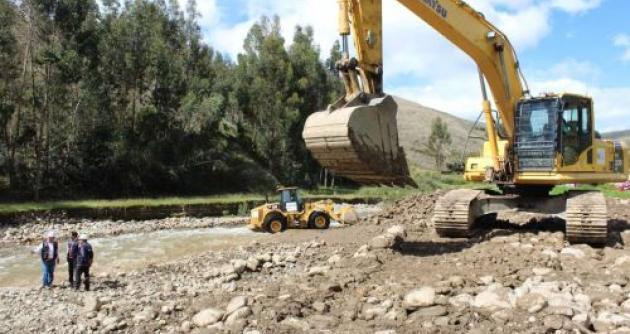 Se culminaron obras de descolmatación en el río Motupe