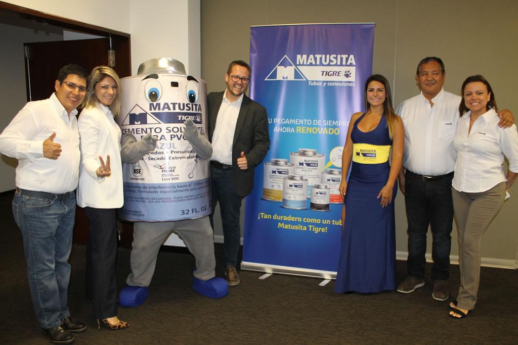 """Matusita Tigre presentó su renovada y mejorada línea de """"Pegamentos Matusita Tigre"""""""