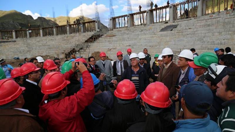 Culmina construcción de tribunas en estadio Villa Rica de Oropesa