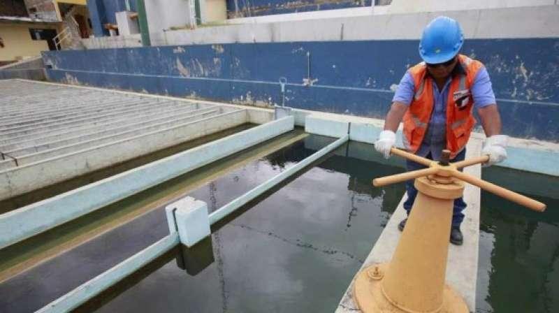 Empresas de saneamiento no han invertido ni la mitad del presupuesto transferido en obras