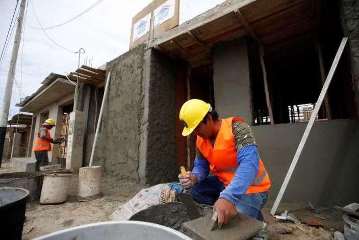 Se construirán 8,000 viviendas para damnificados de El Niño Costero