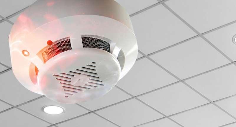 Sistemas de detección y alarma de incendios: más que detectores y alarmas