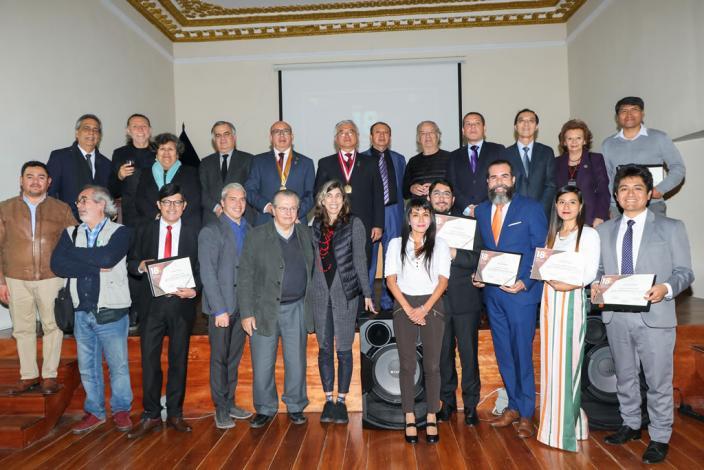 """Culminó la XVIII Bienal de Arquitectura y el """"Aulario para la Universidad de Piura"""" obtuvo el prestigioso Hexágono de Oro"""