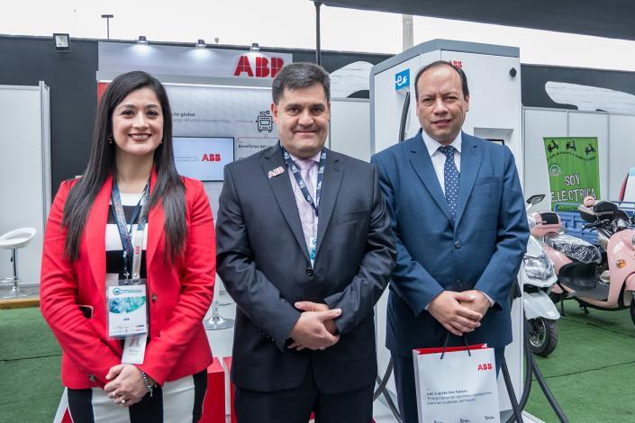 Presentaron el primer cargador rápido para autos eléctricos en Perú