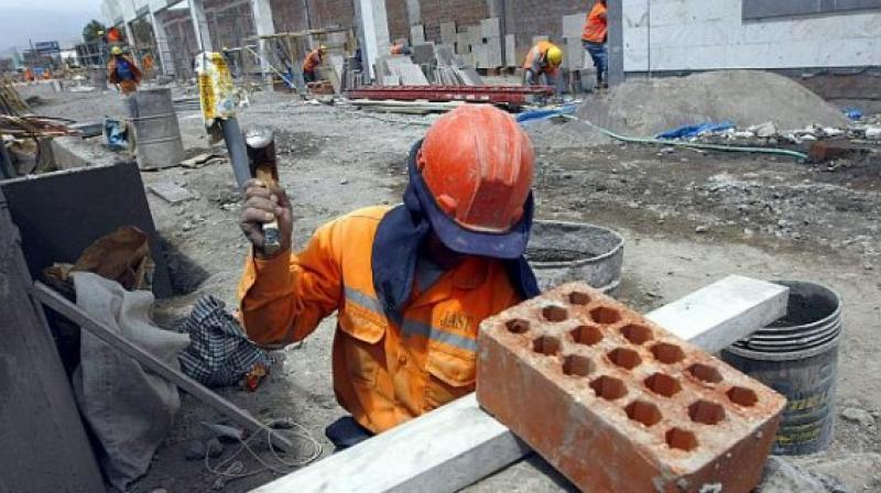 Economía habría crecido 2.55% en julio impulsado por la construcción