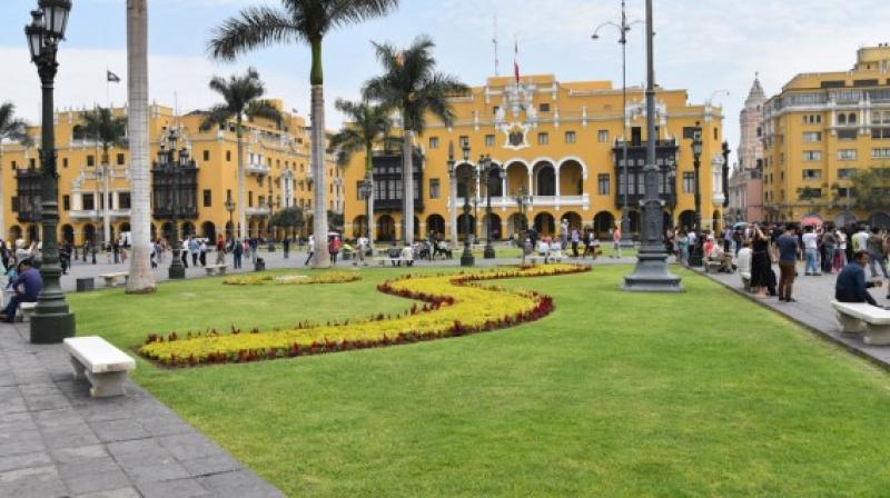 Jorge Muñoz otorgaría beneficios a la construcción de viviendas sostenibles en Lima
