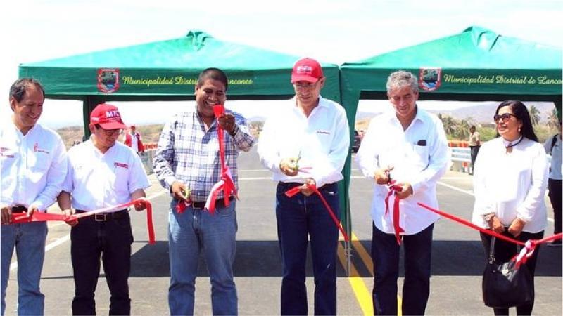 Vizcarra inaugura puente Venados y anuncia apoyo para obras de saneamiento