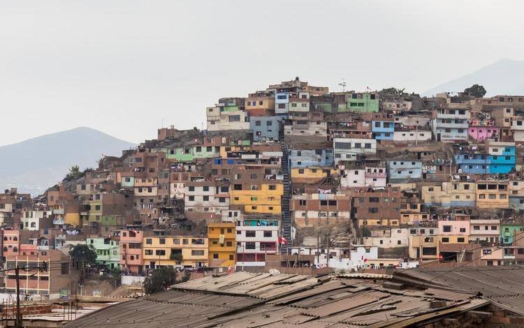 Falta implementación de tranvías y activación de una política de vivienda en Lima