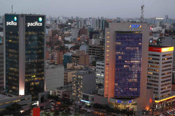 Economía peruana habría registrado crecimiento de 4% el año pasado