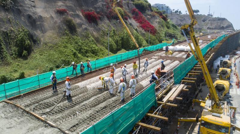 Alcalde Muñoz supervisó obras del viaducto de Armendáriz en la costa verde