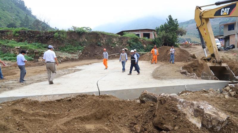 Más de 110 kilómetros de 28 caminos vecinales se reconstruyen en Lambayeque