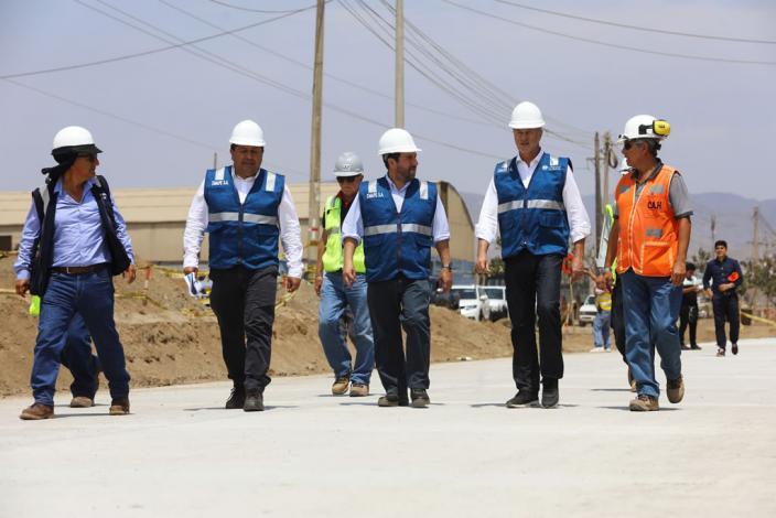 Alcalde Muñoz inspeccionó los avances de obra del cuarto tramo de la antigua Panamericana Sur