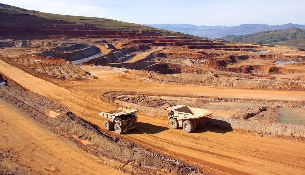 Más de 10 mil millones de dólares ingresarían al país en proyectos mineros si se mejora diseño de proyectos y canales de inversión