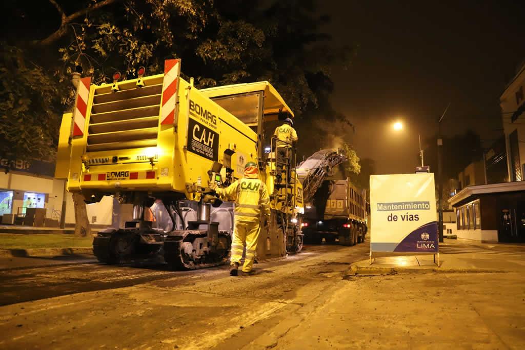 Inician mantenimiento de pistas en avenida Arequipa