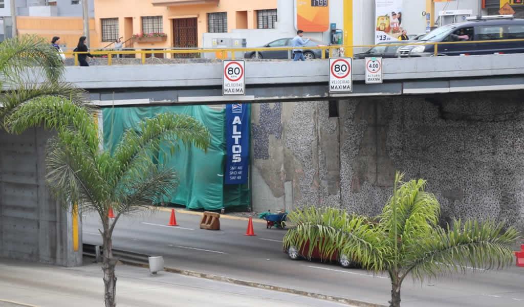 Andamios Altos participa en la restauración del mural de la Vía Expresa
