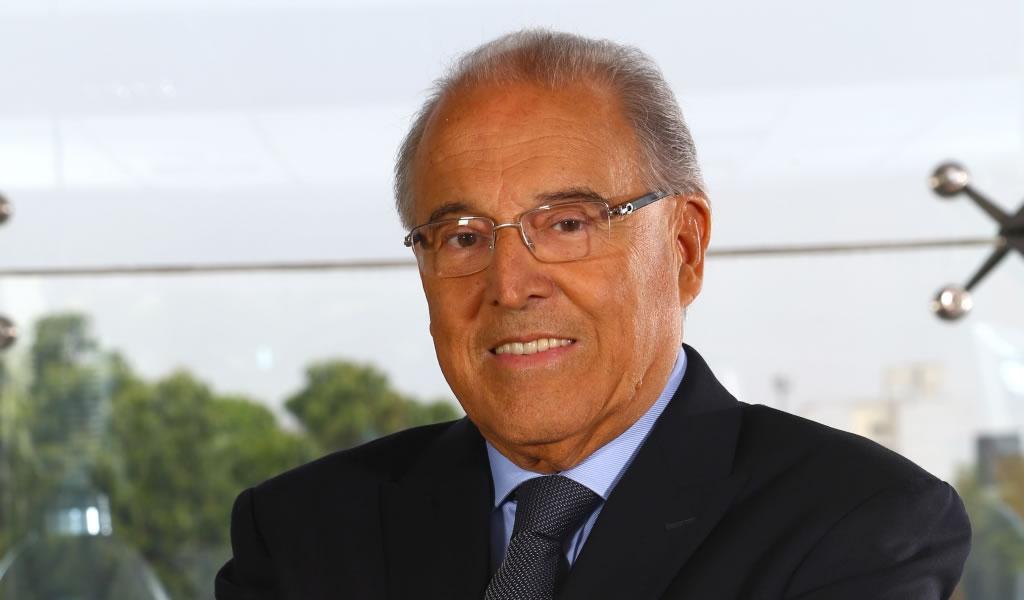 Oscar Espinosa anuncia su retiro del directorio de Ferreycorp tras 40 años en la compañía