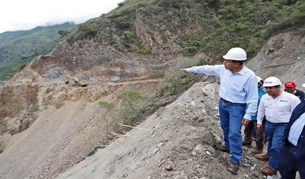 Inician mejoramiento de infraestructura vial en Huancavelica