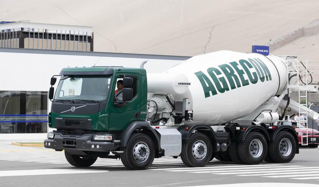 Se entregaron los primeros camiones VM con mixers de Volvo