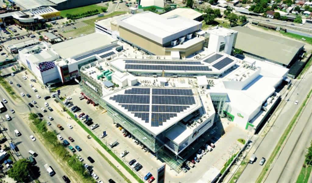 Brilla gigantesco techo solar en Corazón de Honduras impulsando arquitectura y construcción ecoamigable