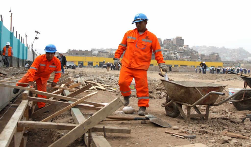 El reinicio de las obras y el transporte de los trabajadores