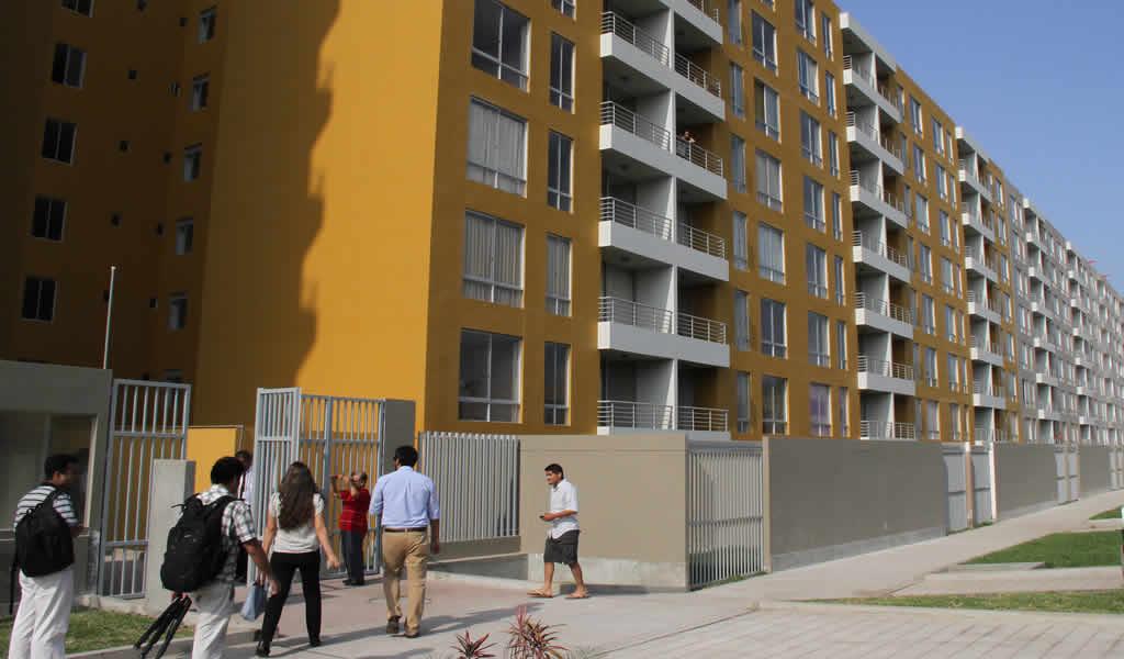 Gobierno prevé beneficiar a 92,000 familias con viviendas durante este año