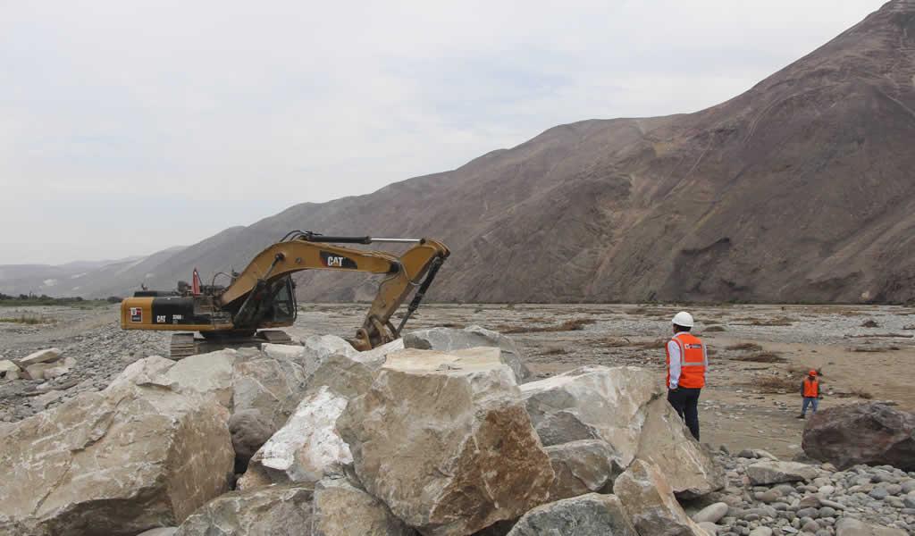 Gobierno dispone de inversión para 71 obras de reconstrucción en 8 regiones del país
