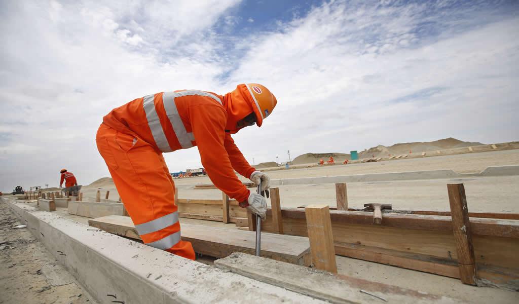 Capeco y FTCCP exhortan al Gobierno bono de S/1,000 para trabajadores de construcción