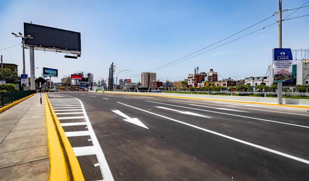 Amplian a cinco niveles vía auxiliar de la Av. Paseo de la República en el cruce con la Av. Angamos