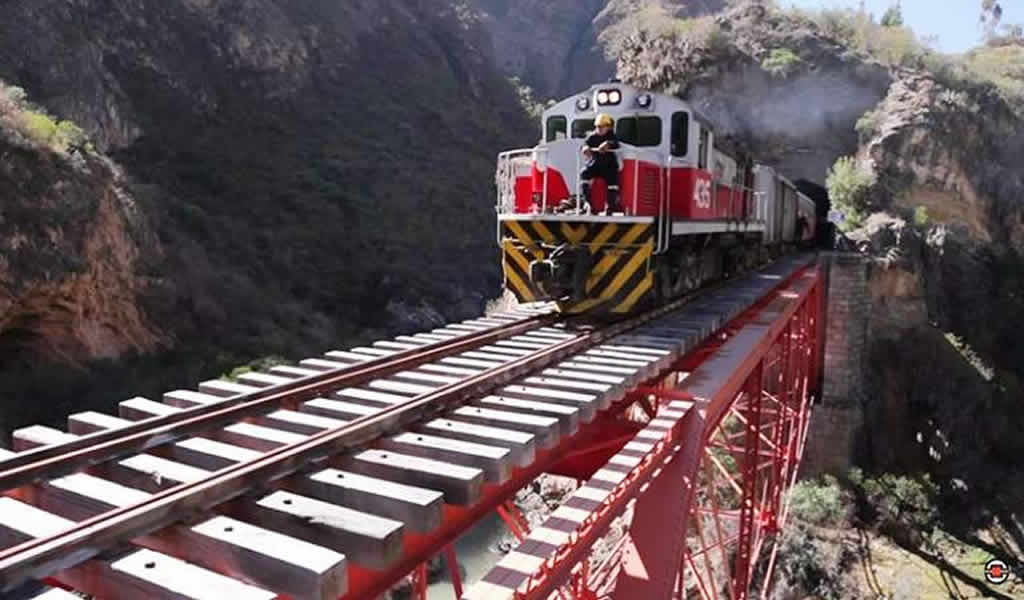 Proyecto Ferrocarril Huancayo-Huancavelica continúa su marcha
