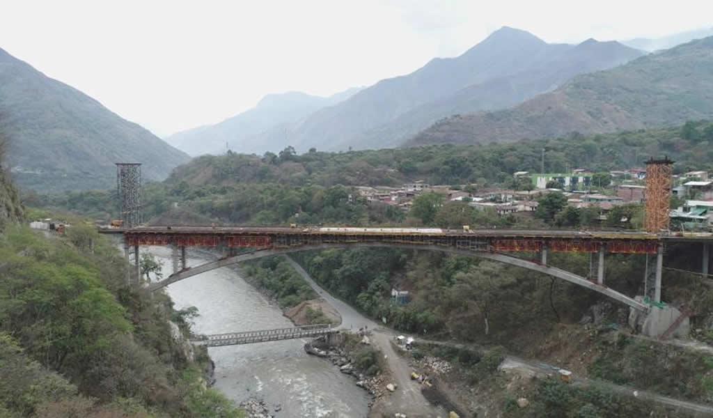 Se puso en marcha el servicio del nuevo puente Maranura en Cusco