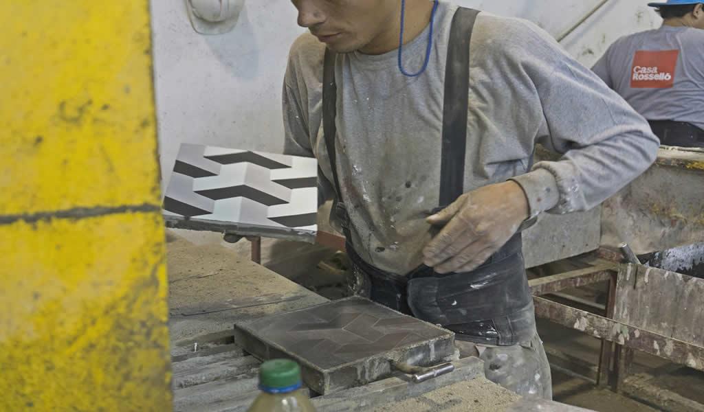 Casa Rosselló: ¿Por qué el trabajo a mano es importante para preservar conocimientos y cuidar el medio ambiente desde el sector inmobiliario?