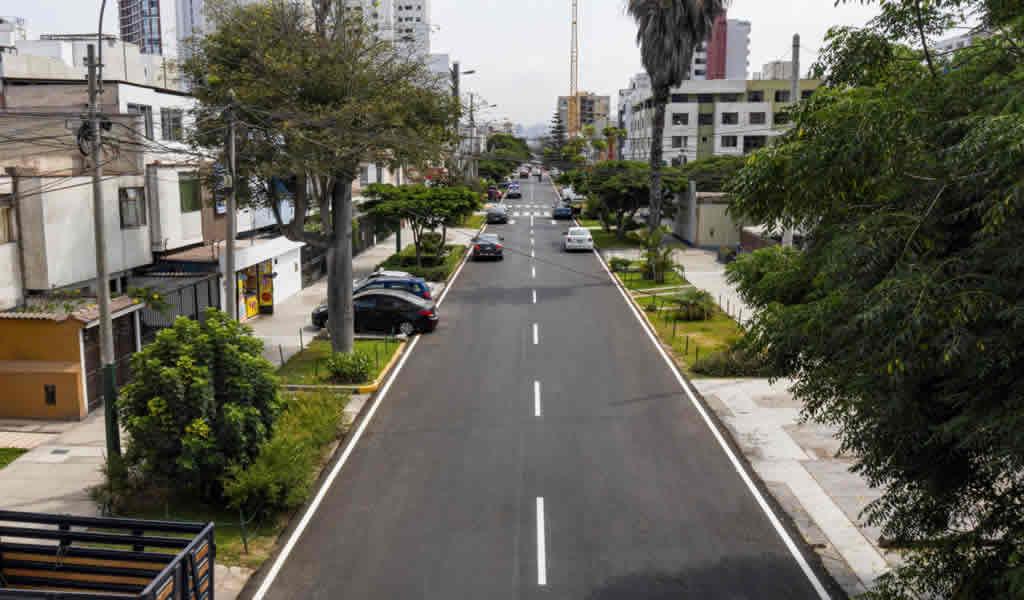 Municipalidad de Lima renovó pistas y señalización en más de 2 kilómetros de la Av. General Garzón