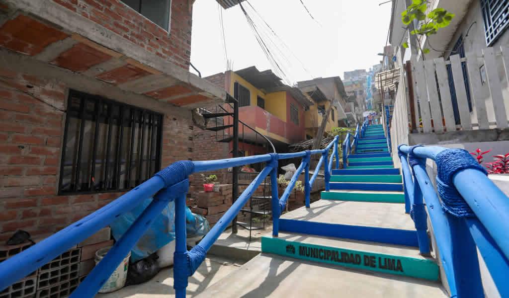 Municipalidad de Lima entrega nuevas escaleras en San Juan de Lurigancho
