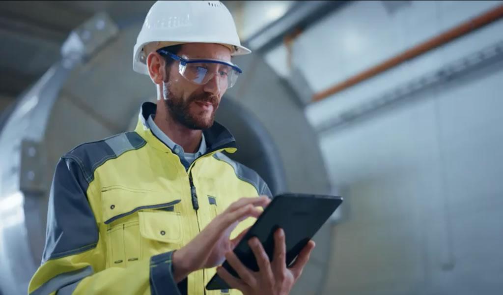 ABB impulsa era digital de la energía con interruptores inteligentes