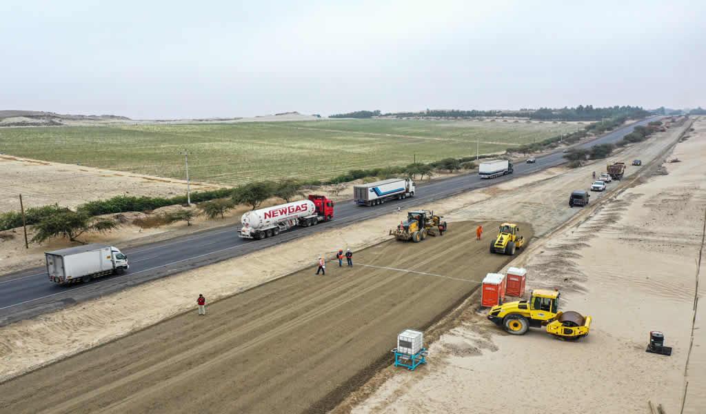 Continúa la construcción de carretera Calemar-Abra El Naranjillo en La Libertad