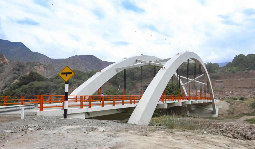 Se puso en servicio el puente Tutumbaro en Ayacucho