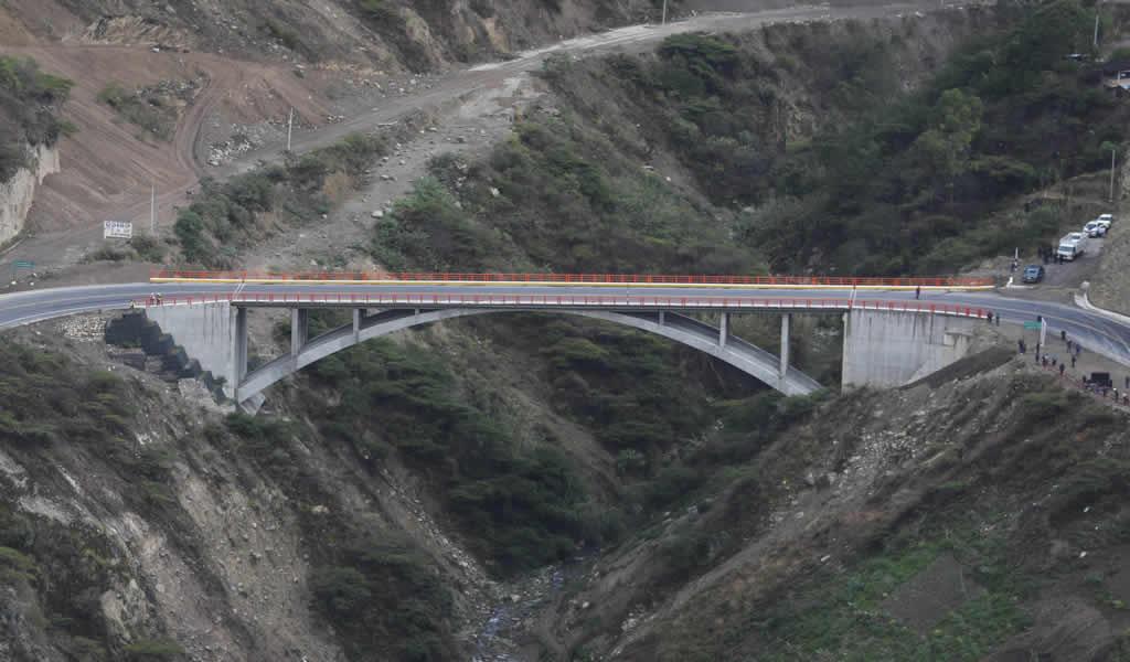 MTC construyó 652 puentes para fortalecer integración del país con sus zonas rurales