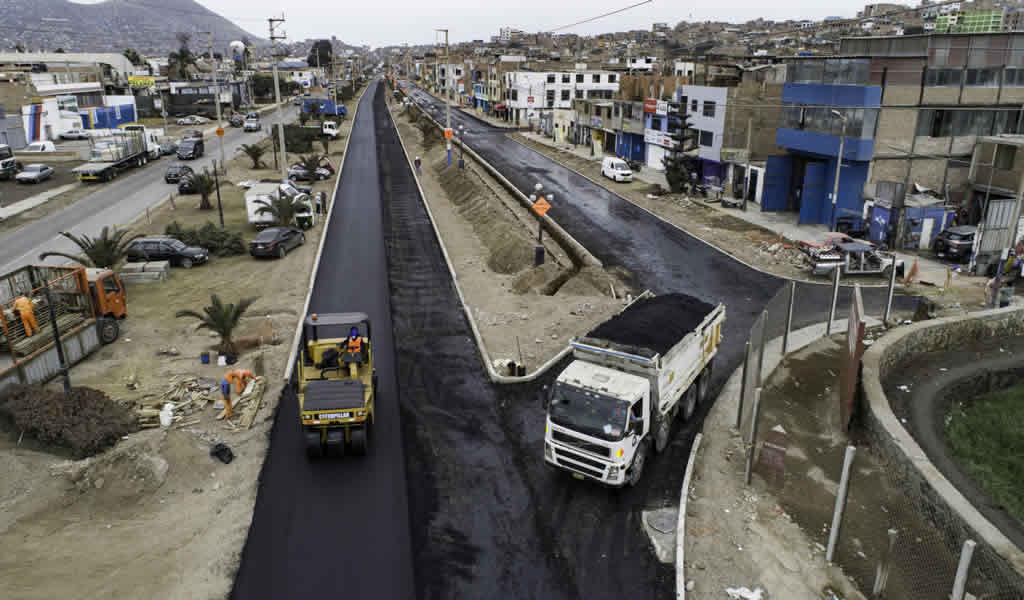 Supervisan obras de mejoramiento en la Av. Defensores del Morro en Chorrillos