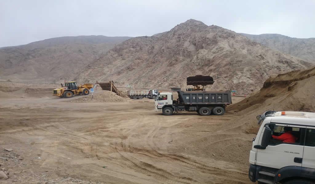 Remoción de tierras del aeropuerto de Chinchero tiene avance de 21.49 %
