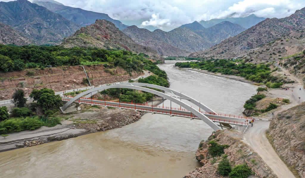 Obras en el puente Marjani de Candarave en Tacna tienen avance del 70%