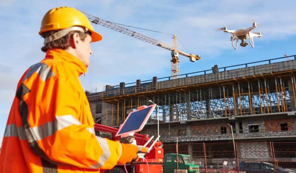 Drones, control de máquinas y telemática, temas clave en la tecnología de obras