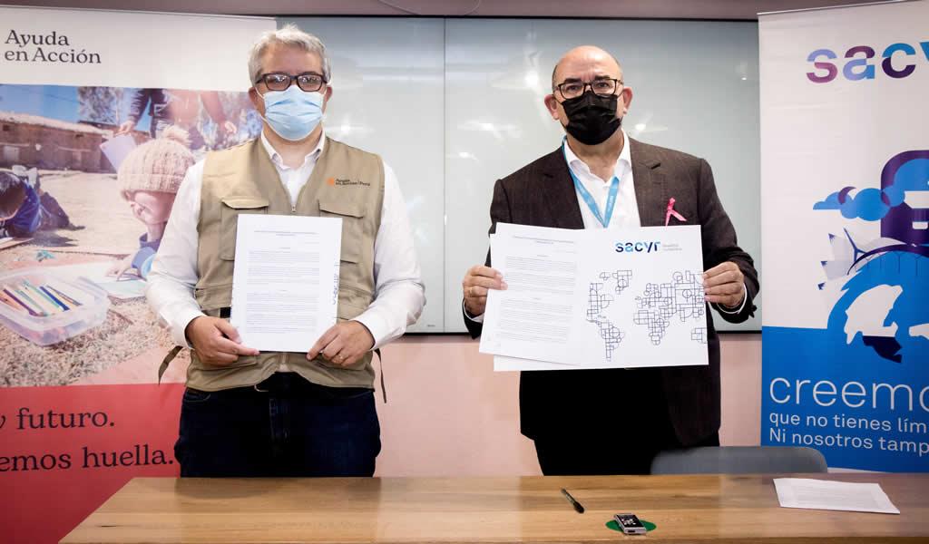 Fundación Sacyr y Ayuda en Acción firman convenio para beneficiar proyectos de apicultores en Cajamarca